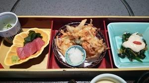 鯛と筍の五目釜飯弁当2.JPG